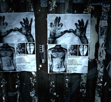 Affischer på händer med avhuggna fingrar.